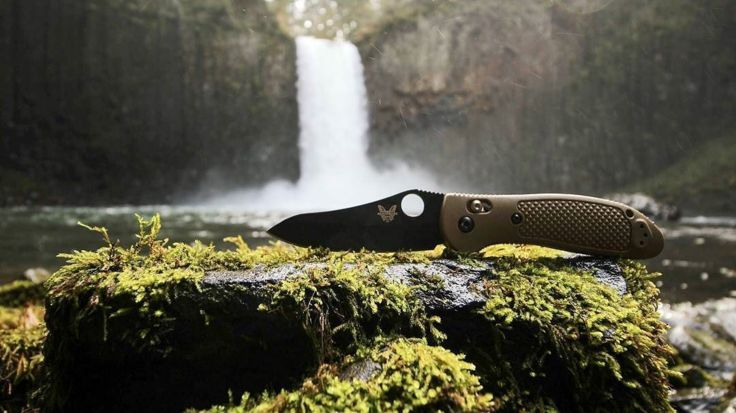 Benchmade - #mybenchmade helping me get places . . .. #pnw #exploregon #nature #thatPNWlife #oregonexplored #waterfalls #knifelife #knifenut #knives #edc #everydaycarry...