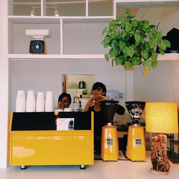 COFFEEUFEEL - Awesome hangs with the guys at the_goodness_kitchen this morning! #COFFEEUFEEL #yellow #havanacoffeeworks thegoodnessgrocer
