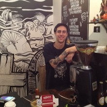 COFFEEUFEEL - Bumped into this guy yesterday, if you don't know him, you need to, great coffee! Cool gallery, go and support John black coffee Newtown...